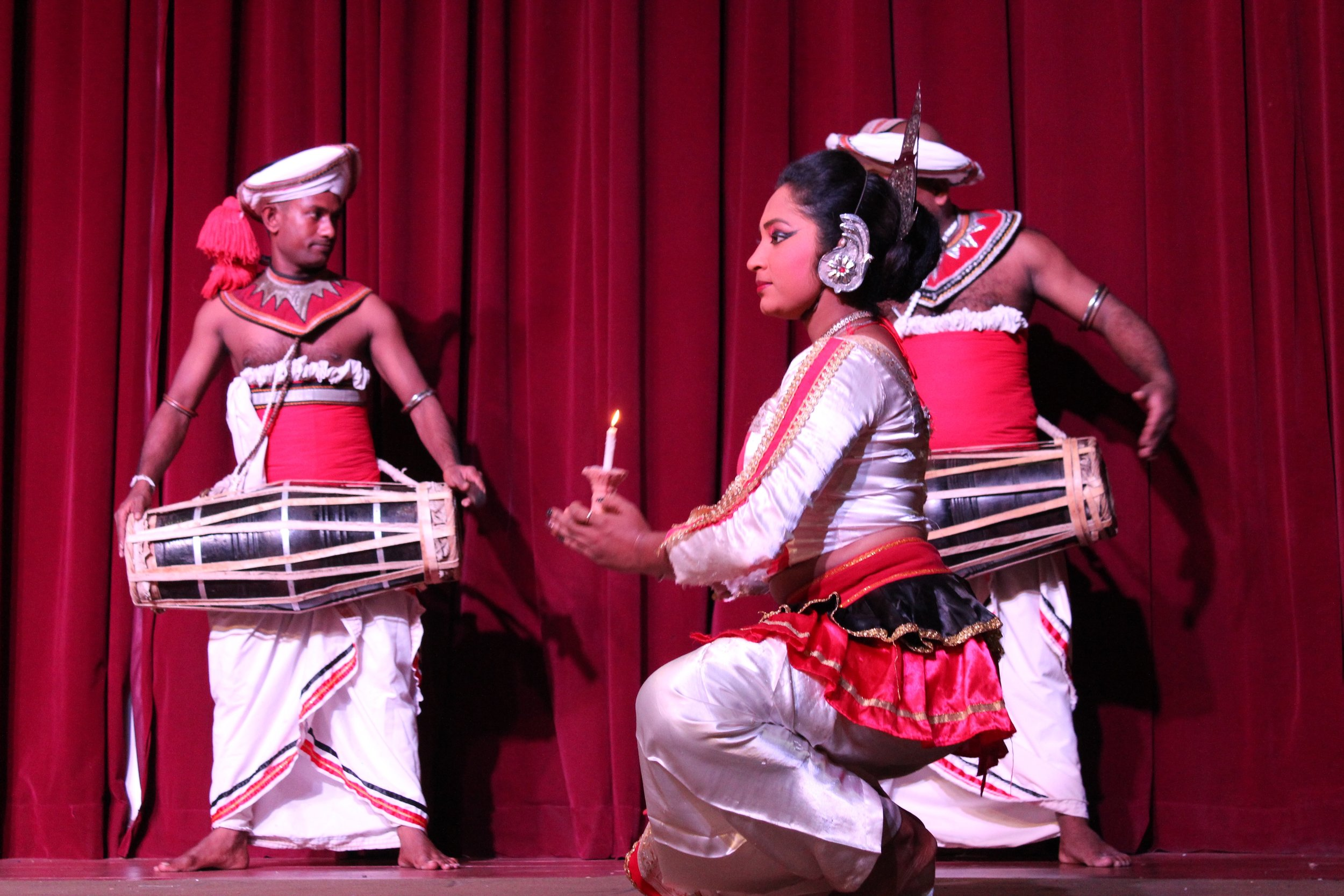 invite-to-paradise-sri-lanka-specialists-experts-travel-agent-tour-operator-kandy-cultural-dance-show-7.jpg