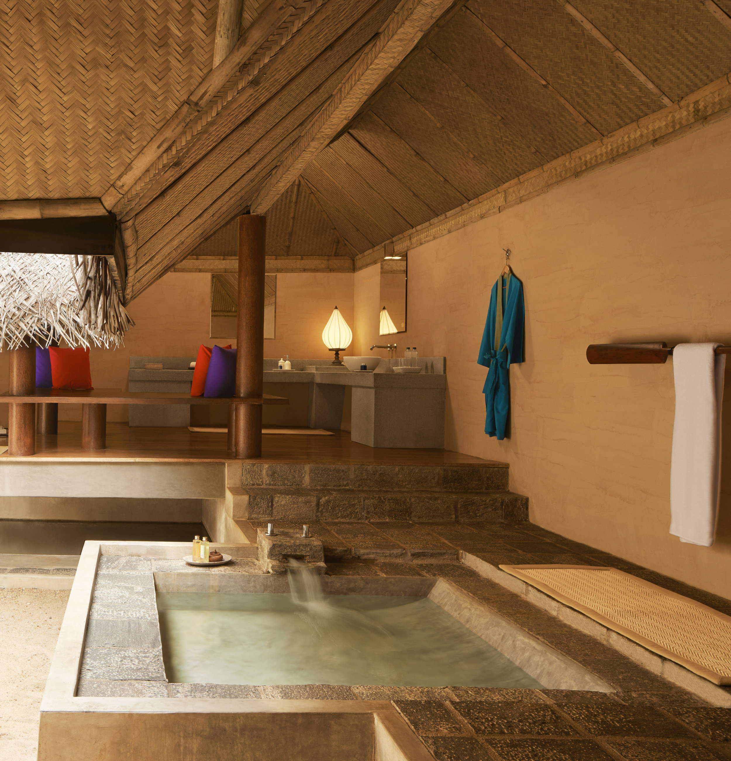 invite-to-paradise-sri-lanka-specialists-experts-travel-agent-tour-operator-jetwing-viluyana-hotel-cultural-triangle-dwelling-bedroom-forest-bathroom-2.jpg