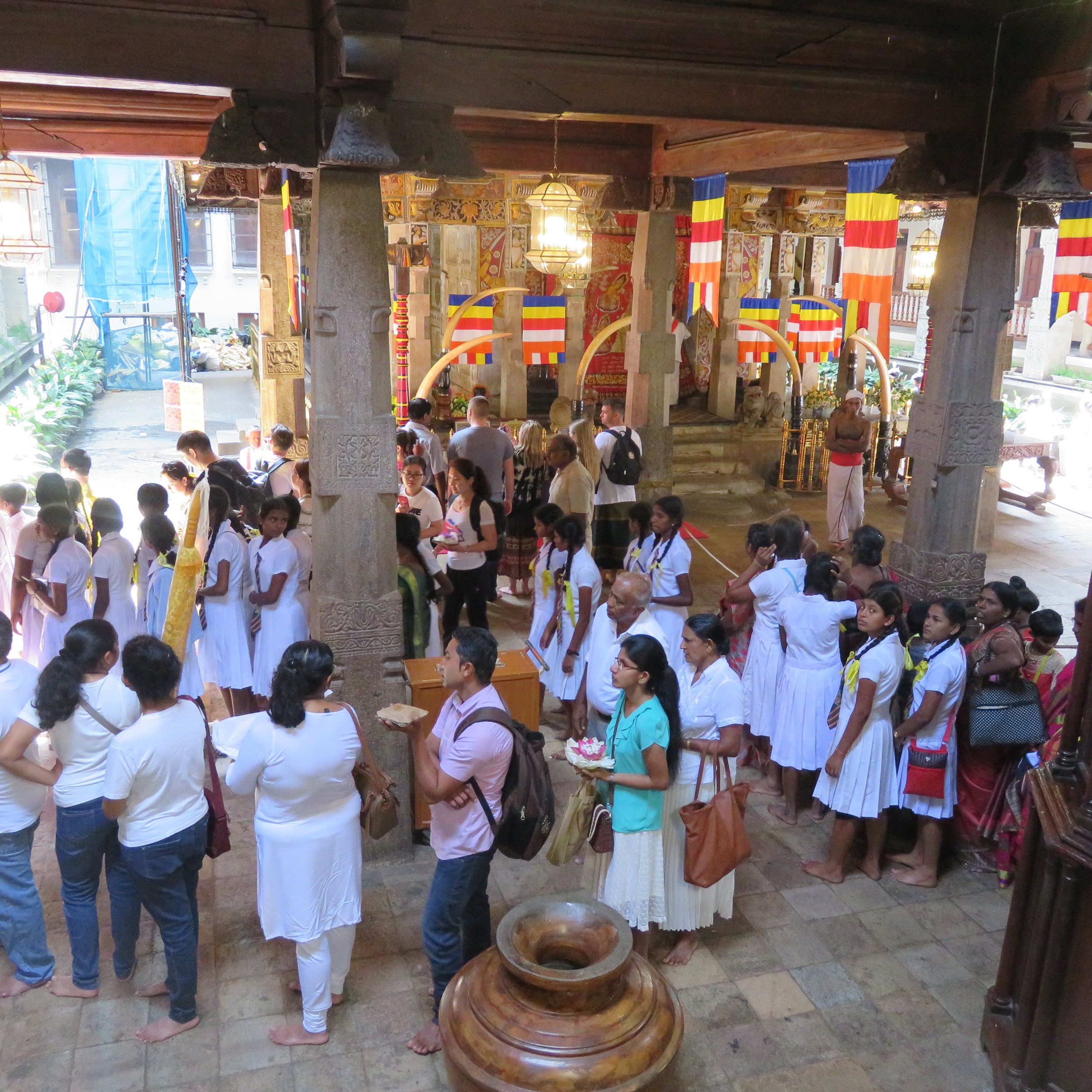 invite-to-paradise-sri-lanka-specialists-thomas-family-holiday-tour-temple of the tooth.JPG