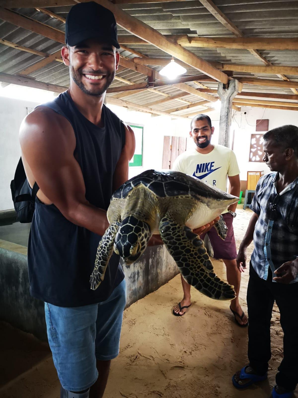 invite-to-paradise-sri-lanka-holiday-honeymoon-specialists-customer-feedback-elin-jordan-luce-sea-turtle-hatchery.JPG