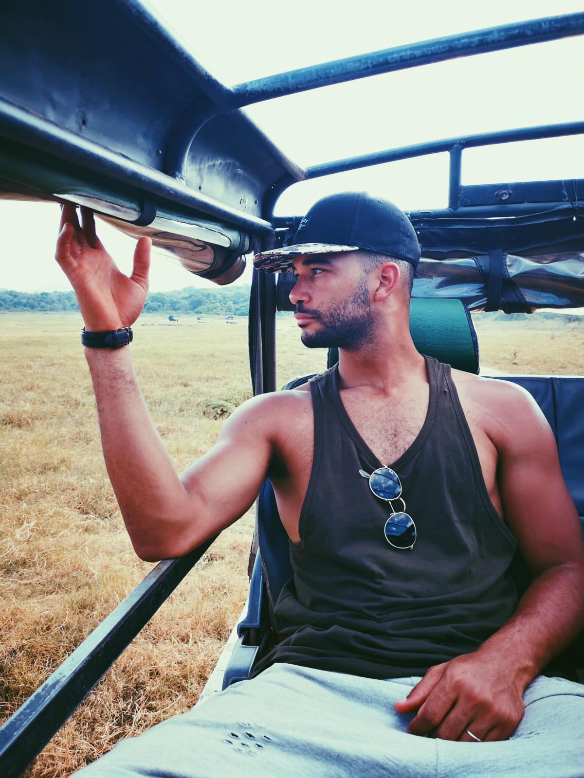 invite-to-paradise-sri-lanka-holiday-honeymoon-specialists-customer-feedback-elin-jordan-luce-wildife-safari-jeep.JPG