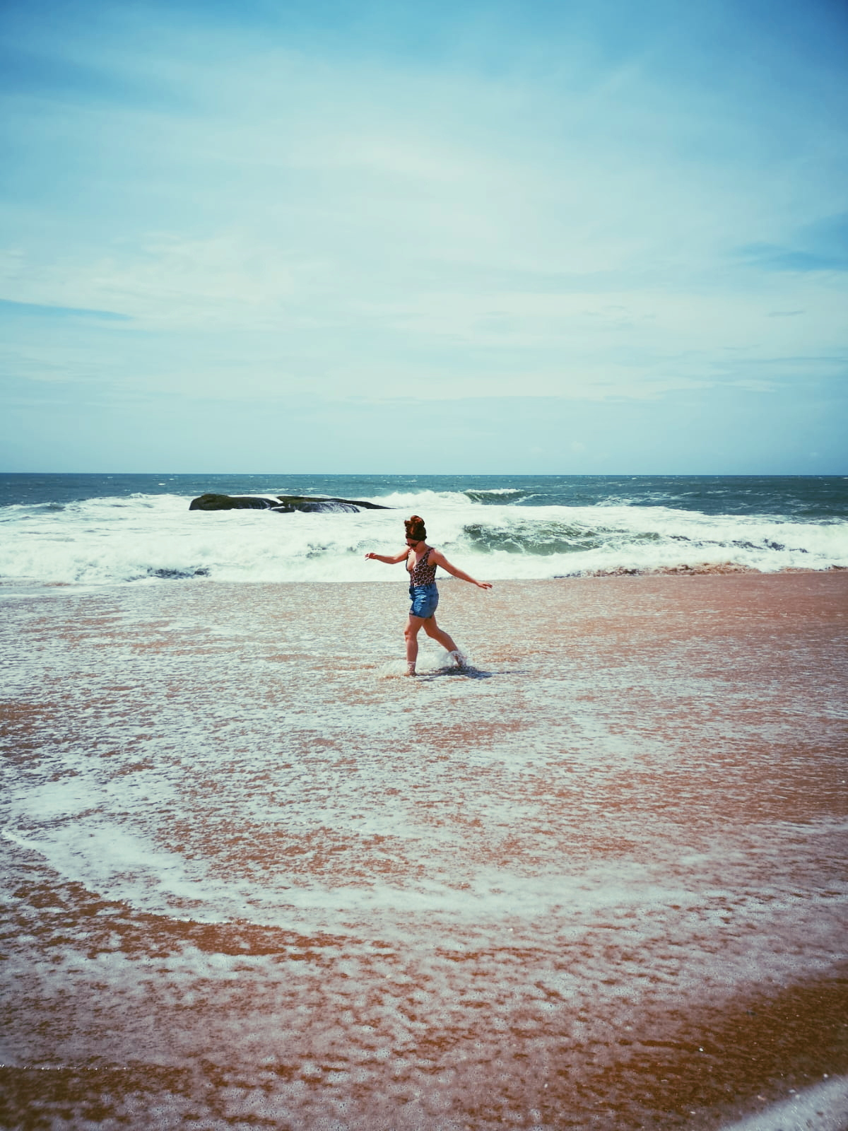 invite-to-paradise-sri-lanka-holiday-honeymoon-specialists-customer-feedback-elin-jordan-luce-yala-beach-walk.JPG