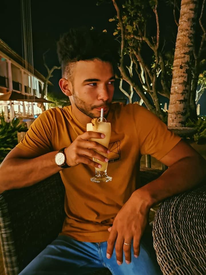 invite-to-paradise-sri-lanka-holiday-honeymoon-specialists-customer-feedback-elin-jordan-luce-drink-fortress.jpg