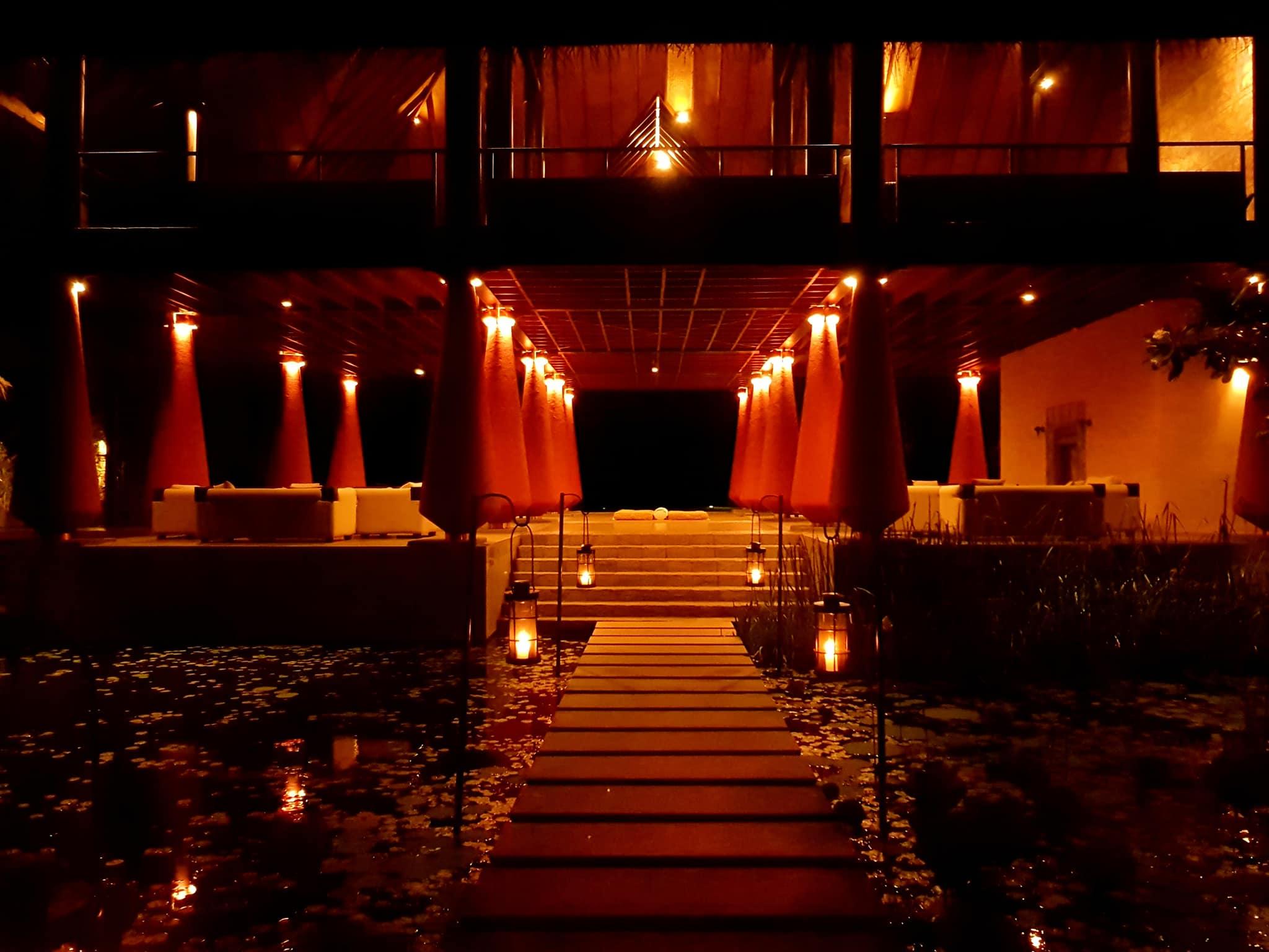 invite-to-paradise-sri-lanka-maldives-holiday-honeymoon-specialists-customer-guest-feedback-zane-lisa-butcher-jetwing-vil-uyana-hotel-sigiriya-cultural-triangle-night.jpg