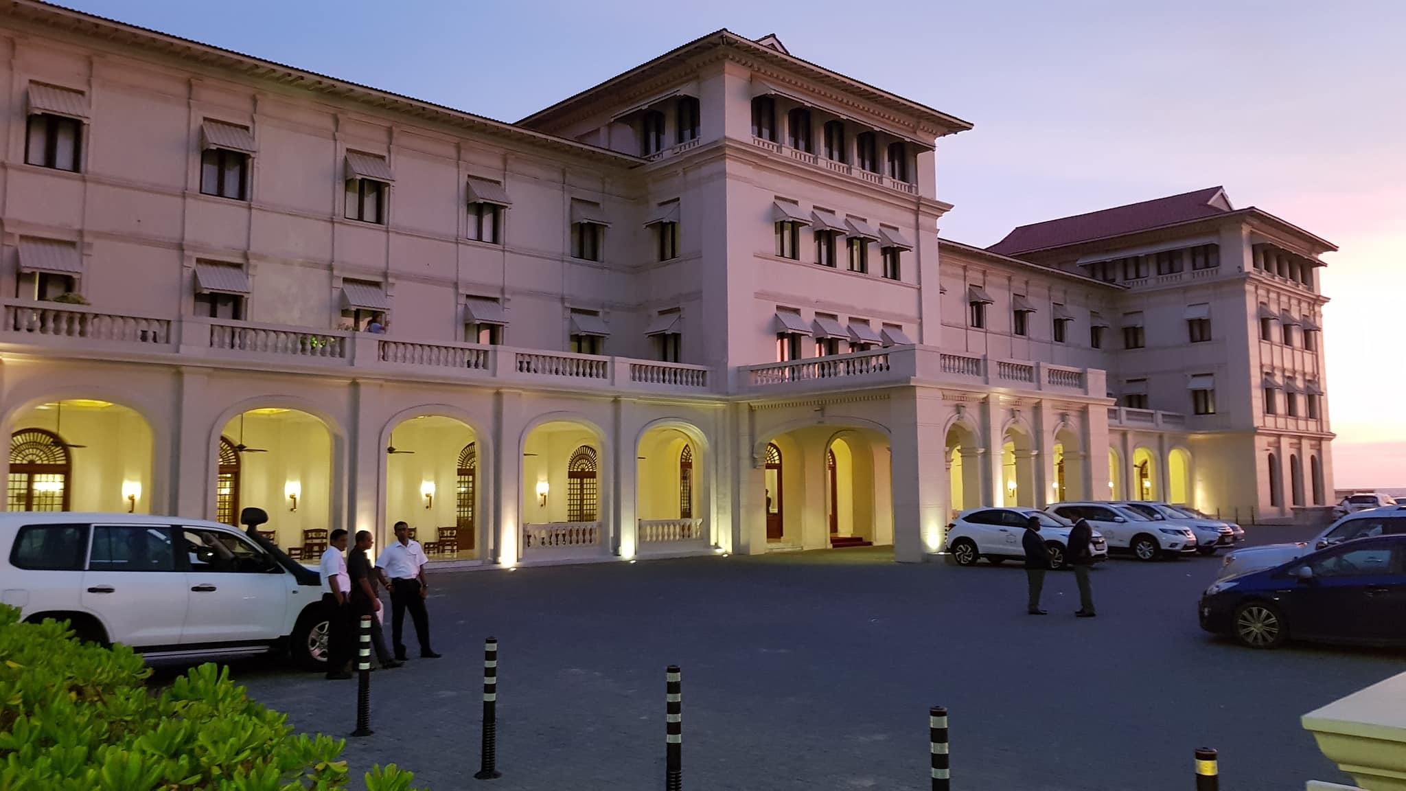 invite-to-paradise-sri-lanka-maldives-holiday-honeymoon-specialists-customer-guest-feedback-zane-lisa-butcher-colombo-galle-face-hotel-.jpg