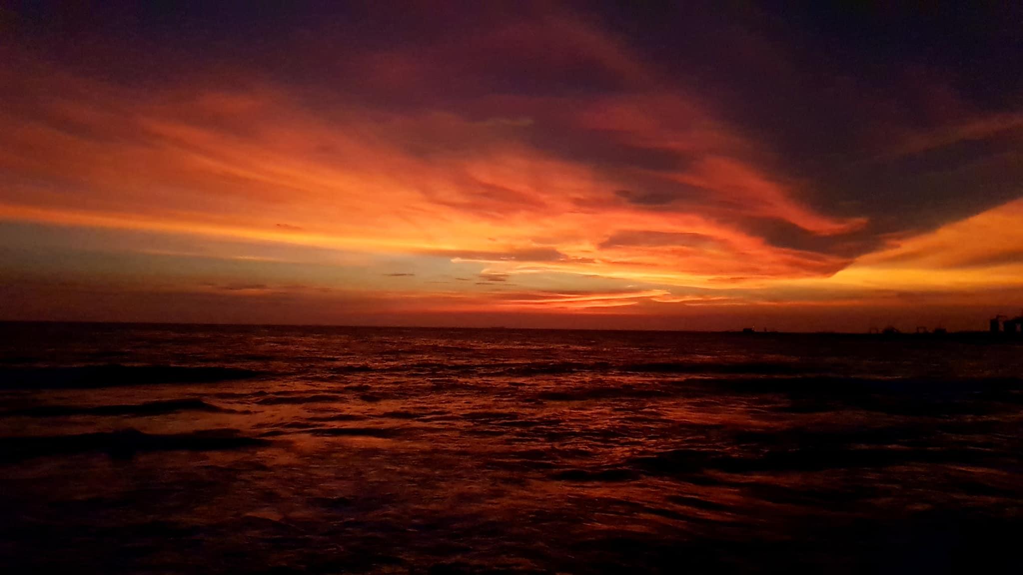 invite-to-paradise-sri-lanka-maldives-holiday-honeymoon-specialists-customer-guest-feedback-zane-lisa-butcher-colombo-galle-face-hotel-sunset-1.jpg