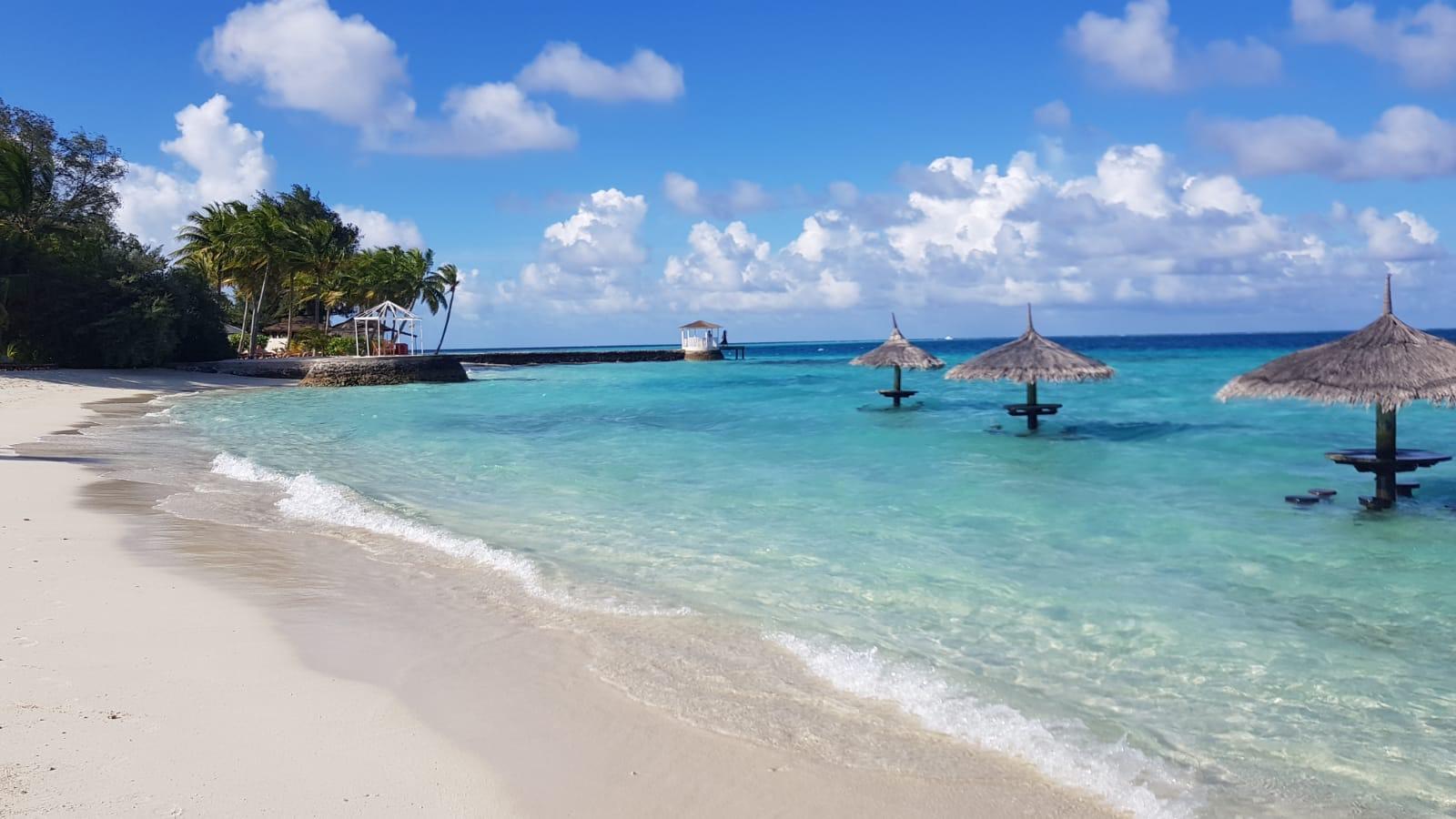 invite-to-paradise-sri-lanka-maldives-holiday-honeymoon-specialists-customer-guest-feedback-zane-lisa-butcher-centara-ras-fushi-beach.png
