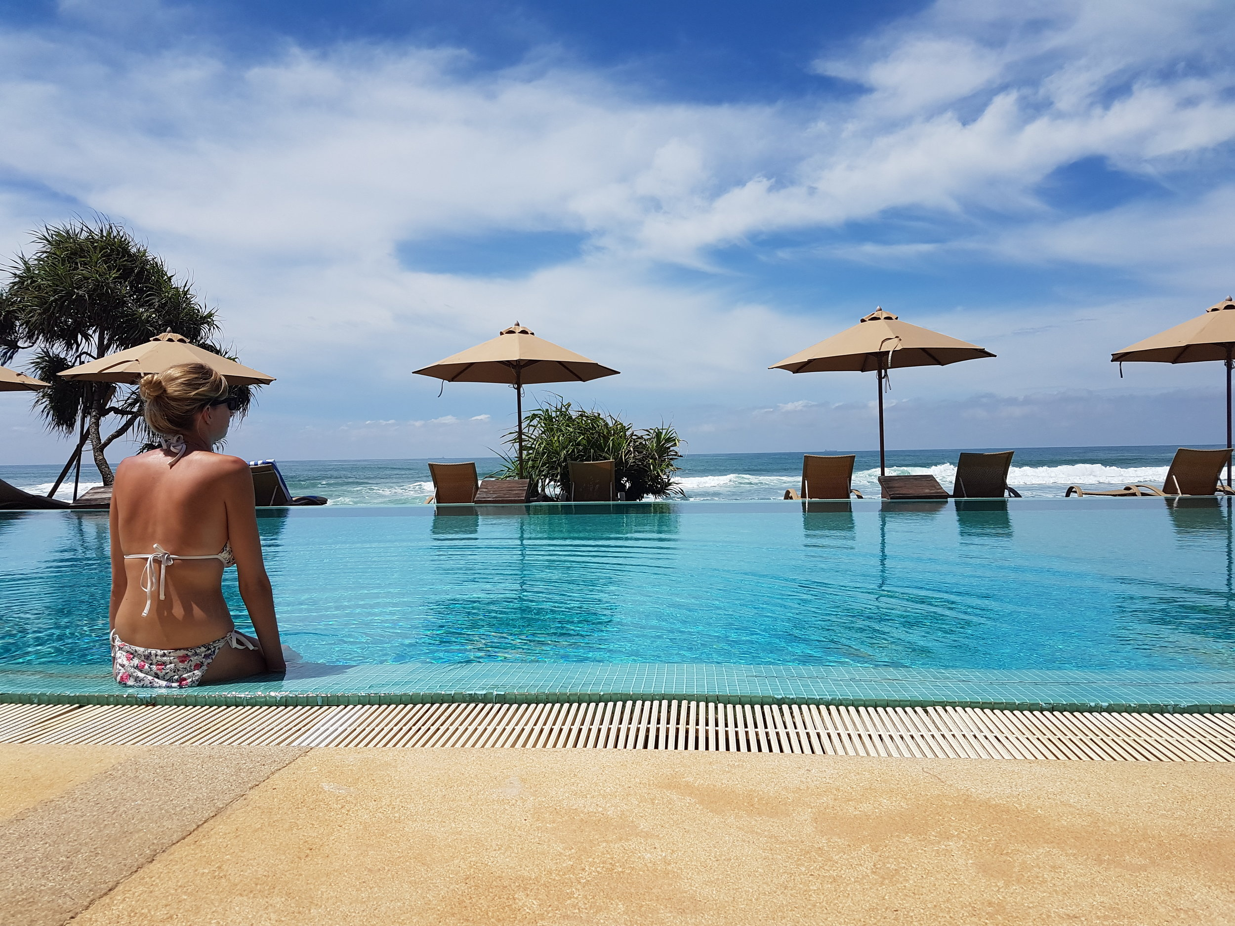 invite-to-paradise-sri-lanka-holiday-honeymoon-specialists-customer-feedback-fleur-simon-minshull-the-fortress-galle-pool-relax.jpg