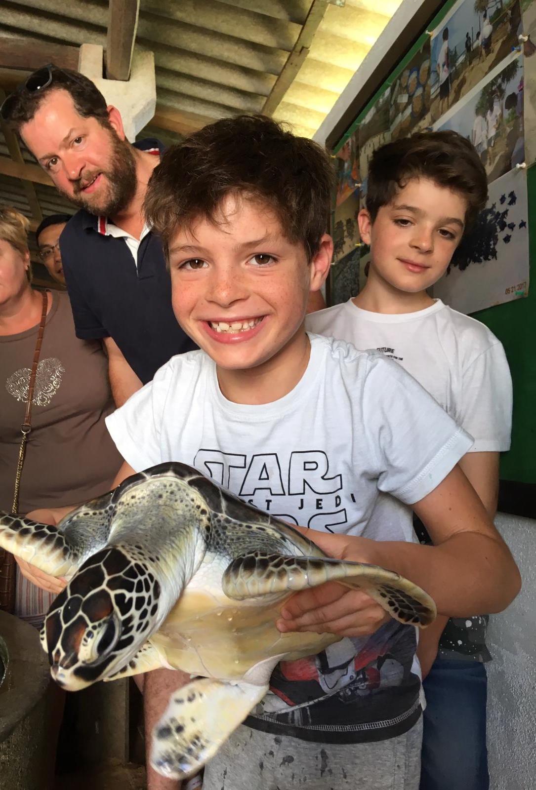 invite-to-paradise-sri-lanka-family-holiday-specialists-customer-feedback-pickering-sea-turtle-hold 2.jpg
