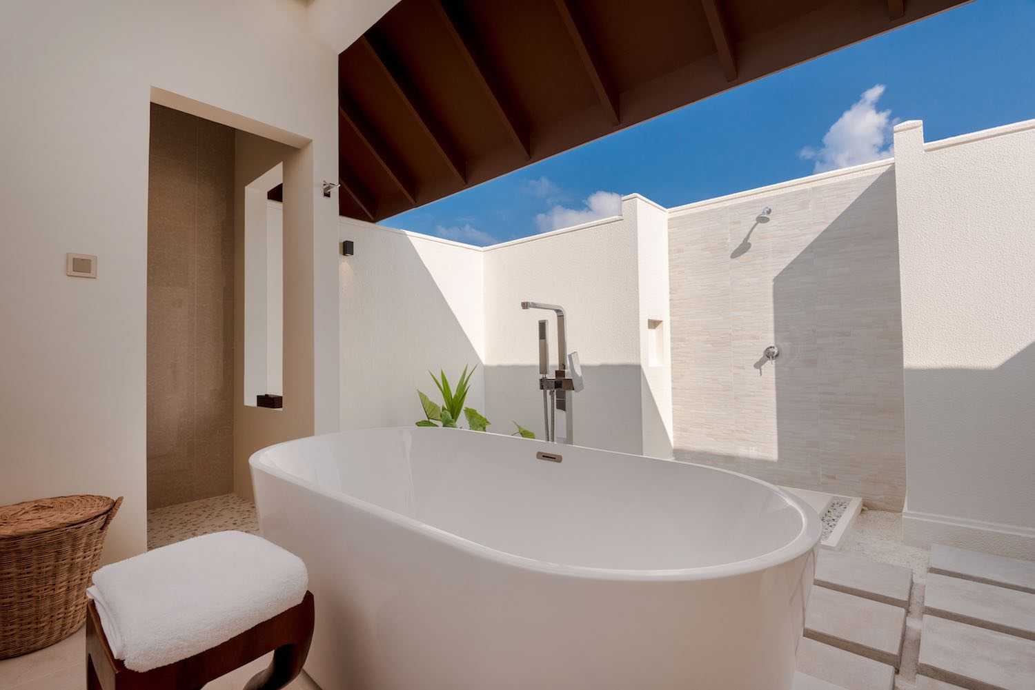 maldives-varu-by-atmosphere-beach-villa-with-pool-bathroom-holiday-honeymoon-vacation-invite-to-paradise.jpg