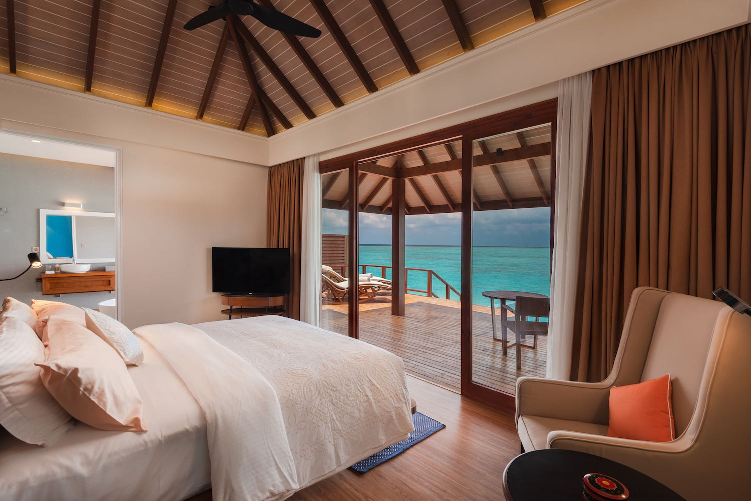 maldives-varu-by-atmosphere-water-villa-with-pool-bedroom-view-holiday-honeymoon-vacation-invite-to-paradise.jpg