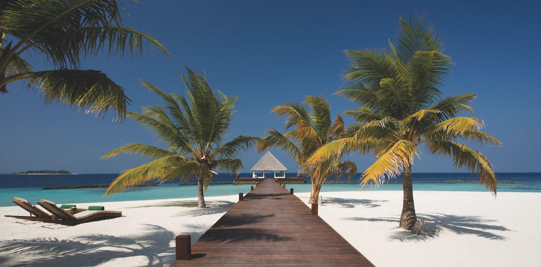 maldives-coco-bodu-hithi-jetty-holiday-honeymoon-vacation-invite-to-paradise.jpg
