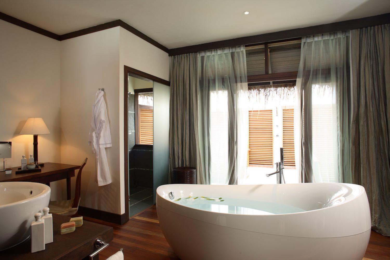 maldives-coco-bodu-hithi-water-villa-2-holiday-honeymoon-vacation-invite-to-paradise.jpg