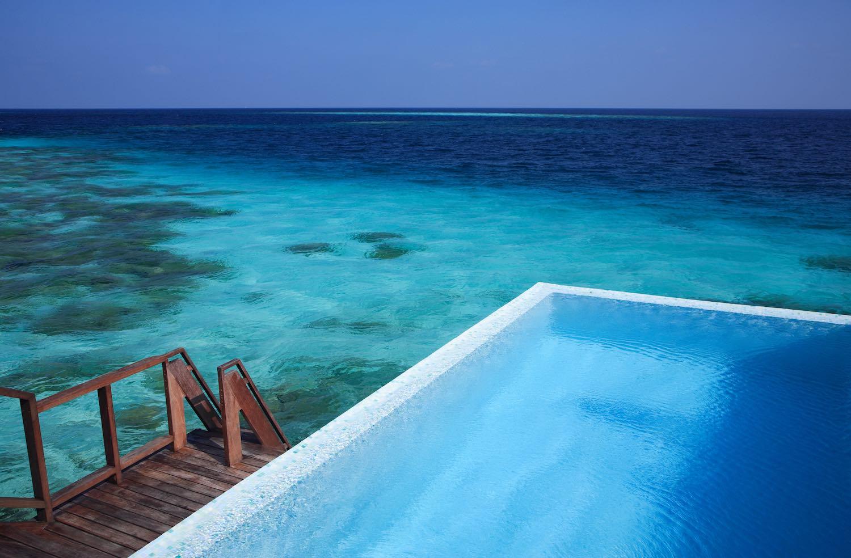 maldives-coco-bodu-hithi-escape-water-villa-2-holiday-honeymoon-vacation-invite-to-paradise.jpg