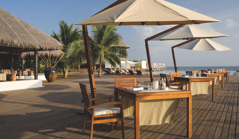 maldives-coco-bodu-hithi-air-restaurant-2-holiday-honeymoon-vacation-invite-to-paradise.jpg