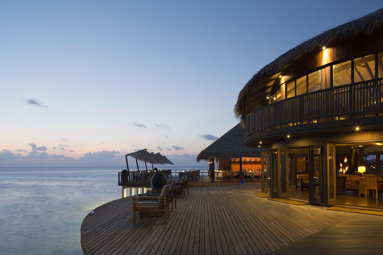 maldives-coco-bodu-hithi-stars-restaurant-holiday-honeymoon-vacation-invite-to-paradise.jpg