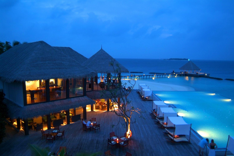maldives-coco-bodu-hithi-latitude-holiday-honeymoon-vacation-invite-to-paradise.jpg
