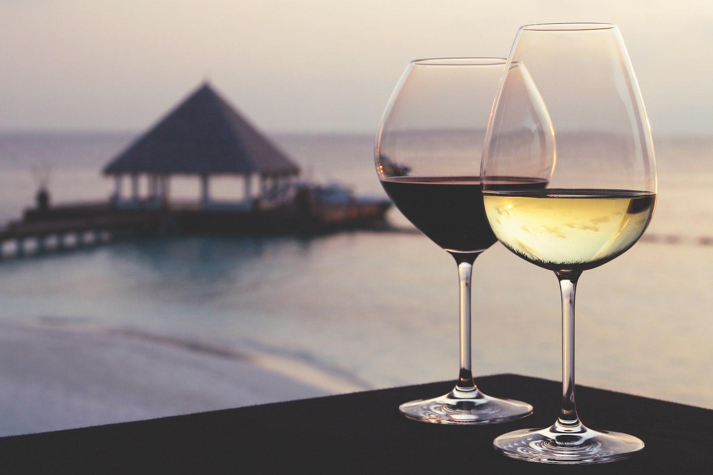 maldives-coco-bodu-hithi-wine-loft-3-holiday-honeymoon-vacation-invite-to-paradise.jpg