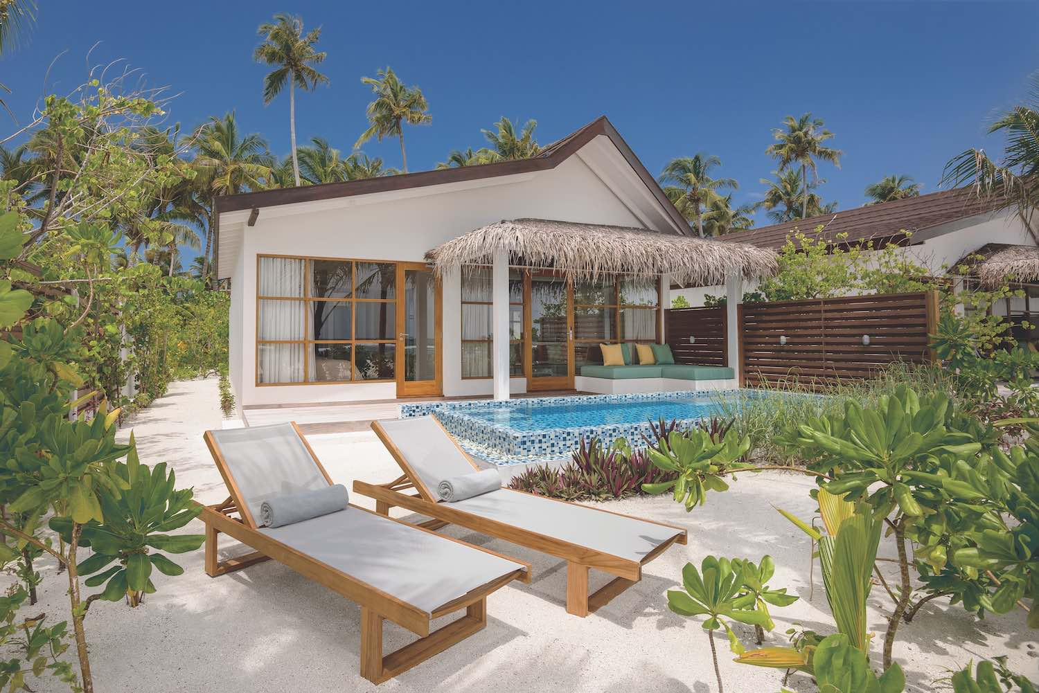 maldives-oblu-select-at-sangeli-beach-family-suites-with-pool-holiday-honeymoon-vacation-invite-to-paradise.jpg