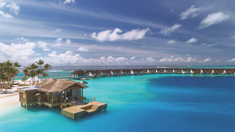 maldives-oblu-select-at-sangeli-arrival-jetty-holiday-honeymoon-vacation-invite-to-paradise.jpg