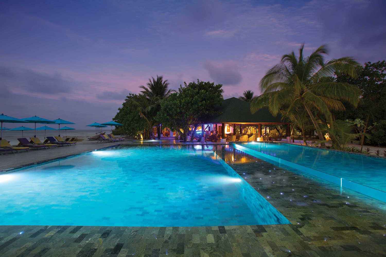 maldives-oblu-by-atmosphere-at-helengeli-helens-pool-bar-holiday-honeymoon-vacation-invite-to-paradise.jpg