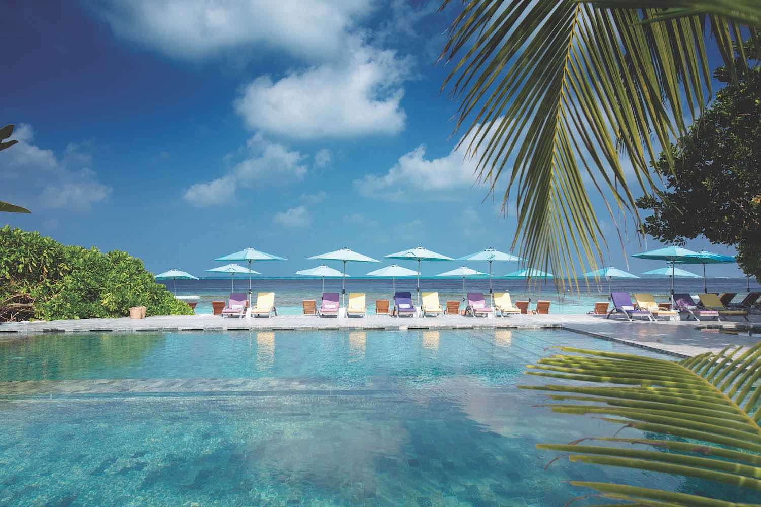 maldives-oblu-by-atmosphere-at-helengeli-helens-pool-bar-view-holiday-honeymoon-vacation-invite-to-paradise.jpg