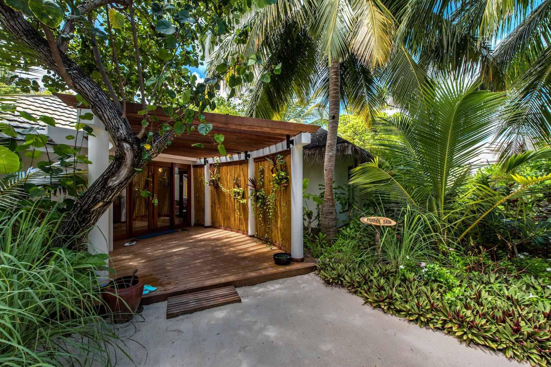 maldives-oblu-by-atmosphere-at-helengeli-elena-spa-treatment-holiday-honeymoon-vacation-invite-to-paradise.jpg