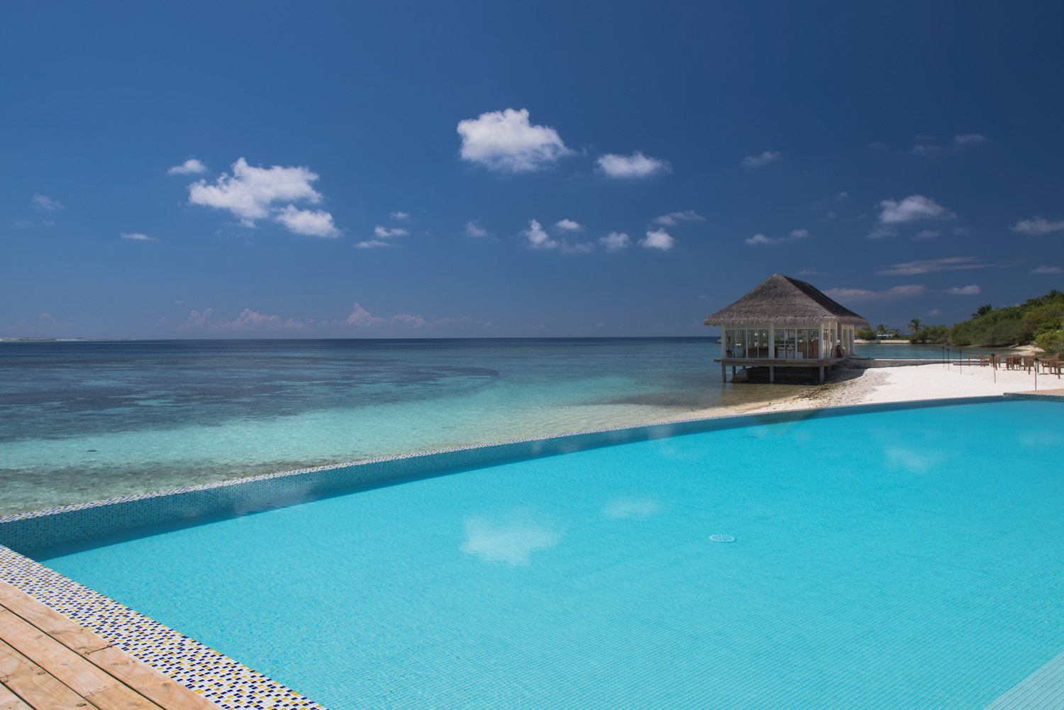 maldives-oblu-by-atmosphere-at-helengeli-adult-only-pool-6-holiday-honeymoon-vacation-invite-to-paradise.jpg