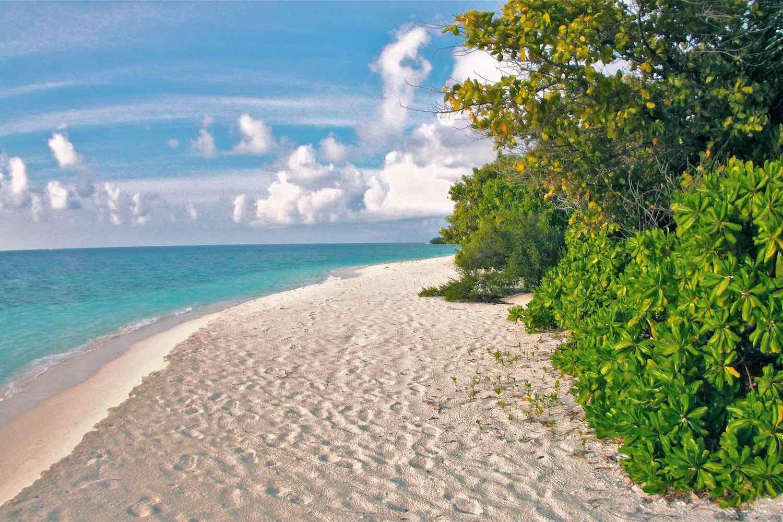 maldives-oblu-by-atmosphere-at-helengeli-beach-2-holiday-honeymoon-vacation-invite-to-paradise.jpg
