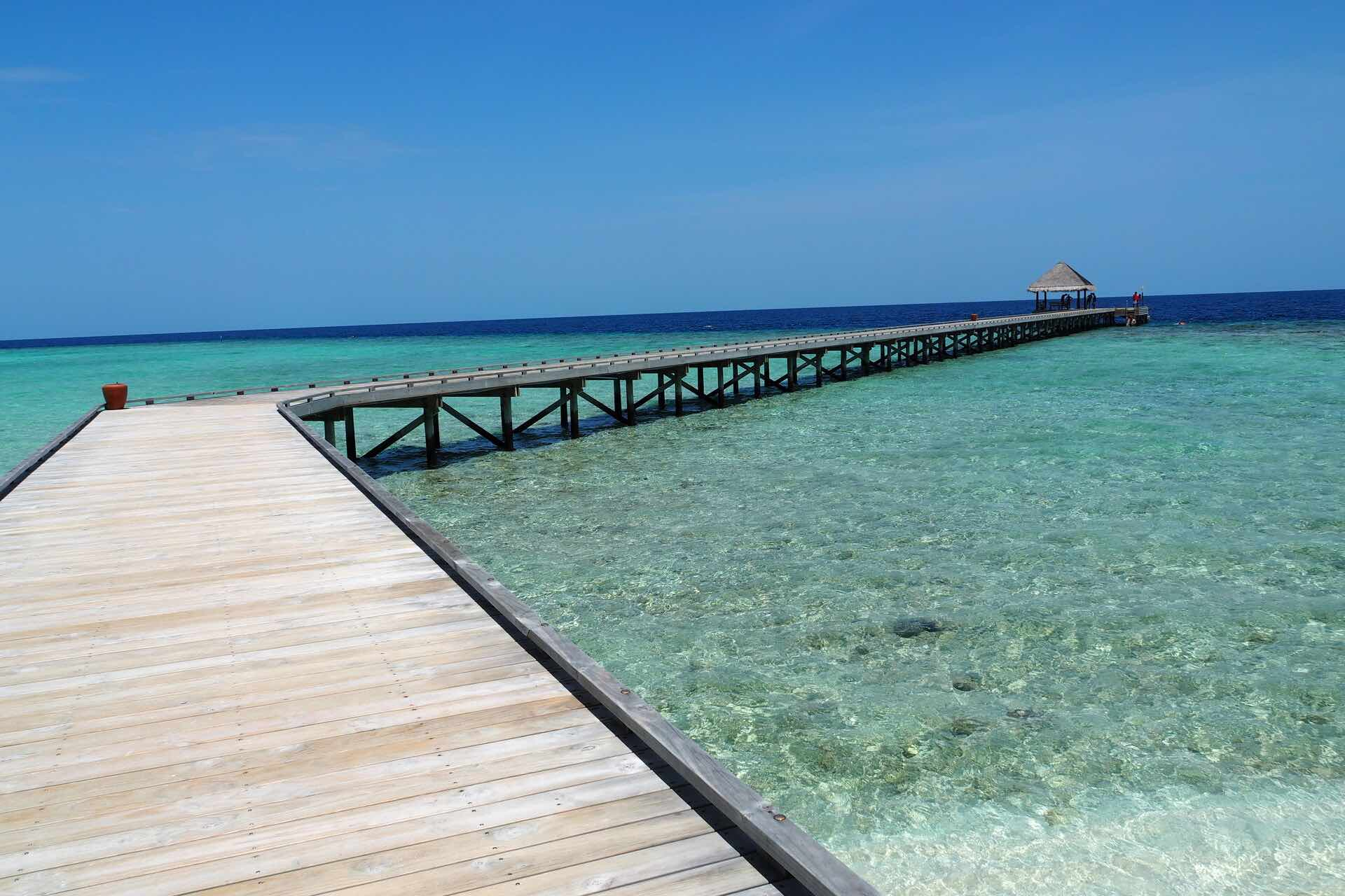maldives-oblu-by-atmosphere-at-helengeli-jetty-holiday-review-feedback-invite-to-paradise-quentin-kate-hulm.jpg