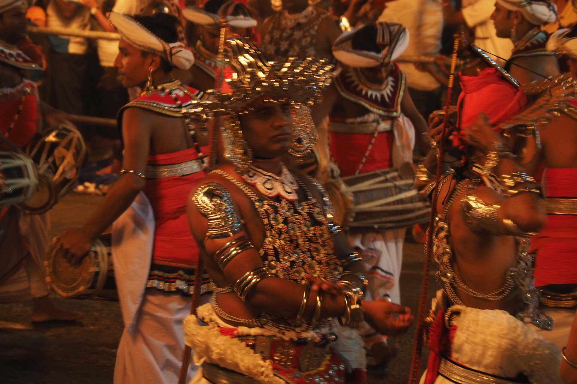 sri-lanka-kandy-perahera-dancers-holiday-review-feedback-invite-to-paradise-quentin-kate-hulm.jpg