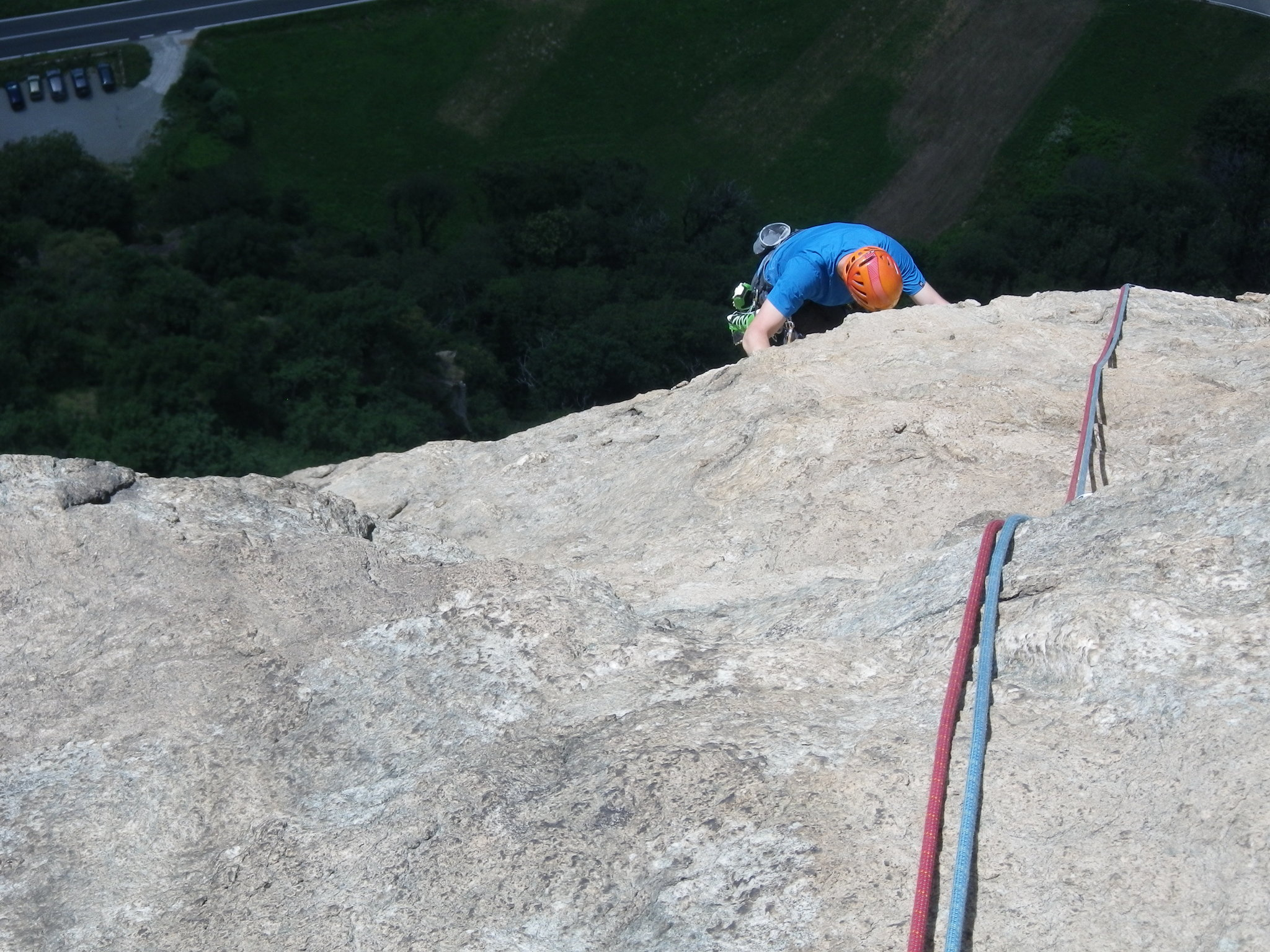Sport climbing in the Alps using twin ropes