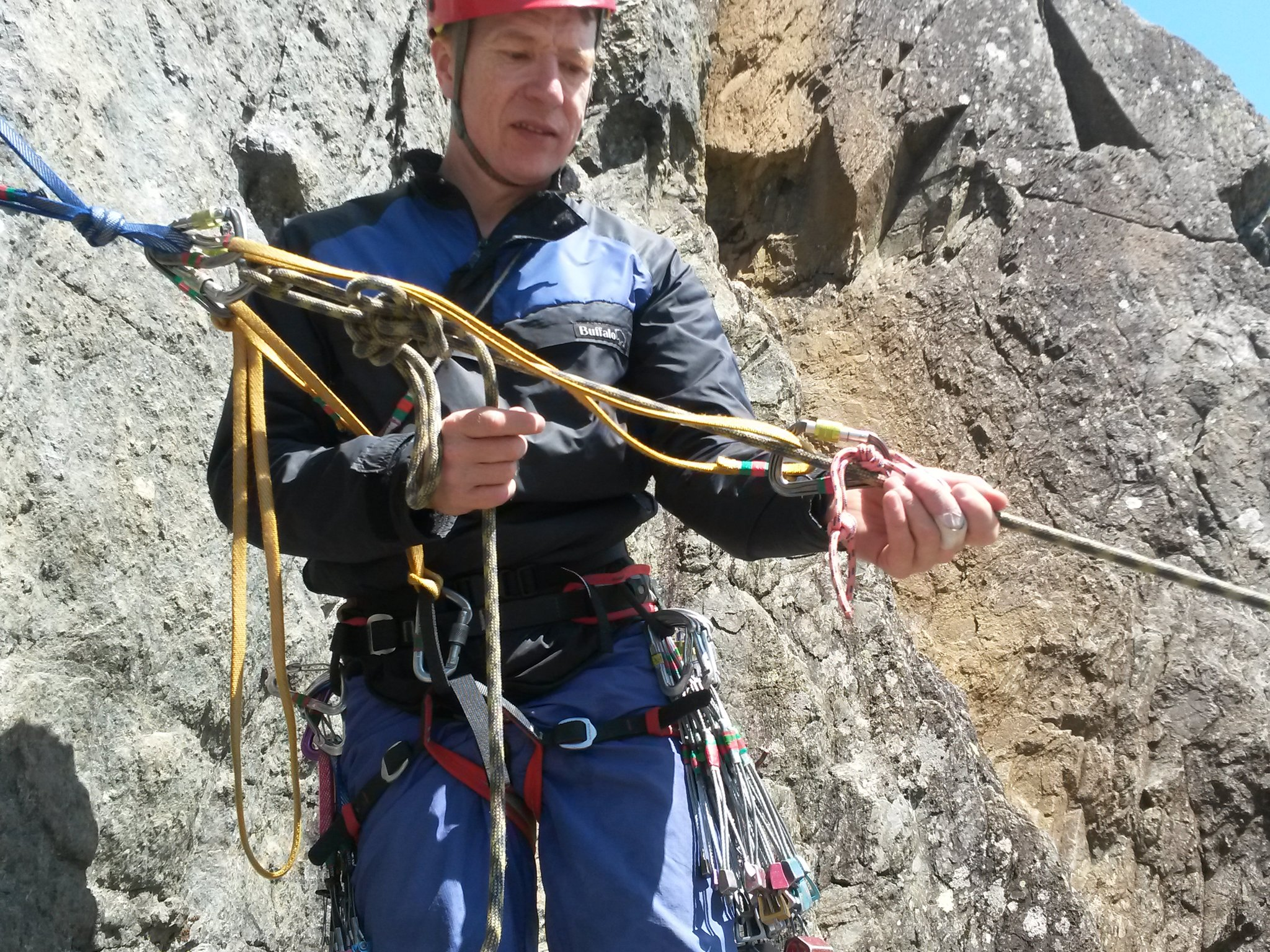 18. Passing a knot to lower casualty down 7 rs.jpg
