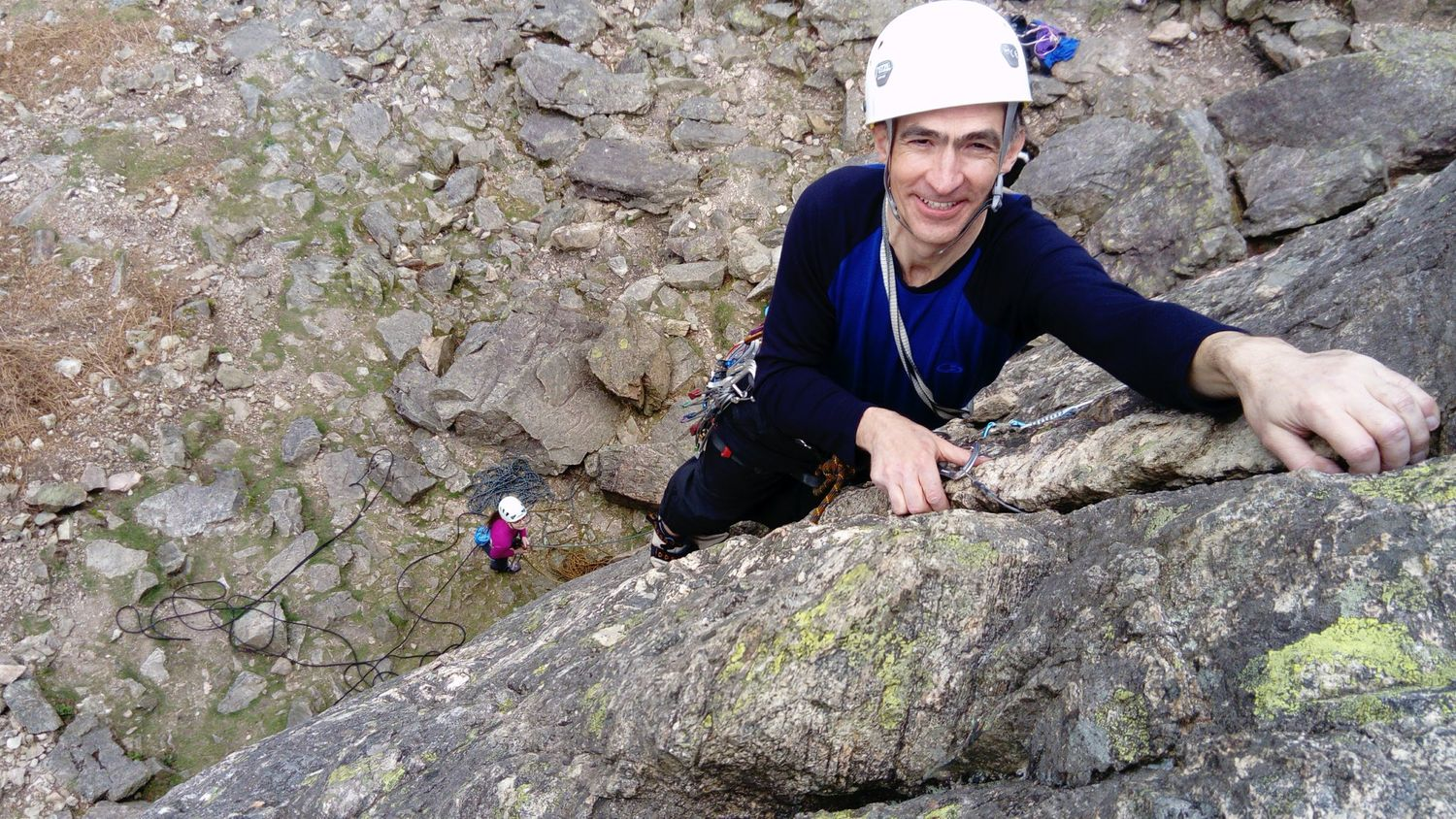 Leading a singlei pitch climb in the lake district - chris ensoll mountain guide