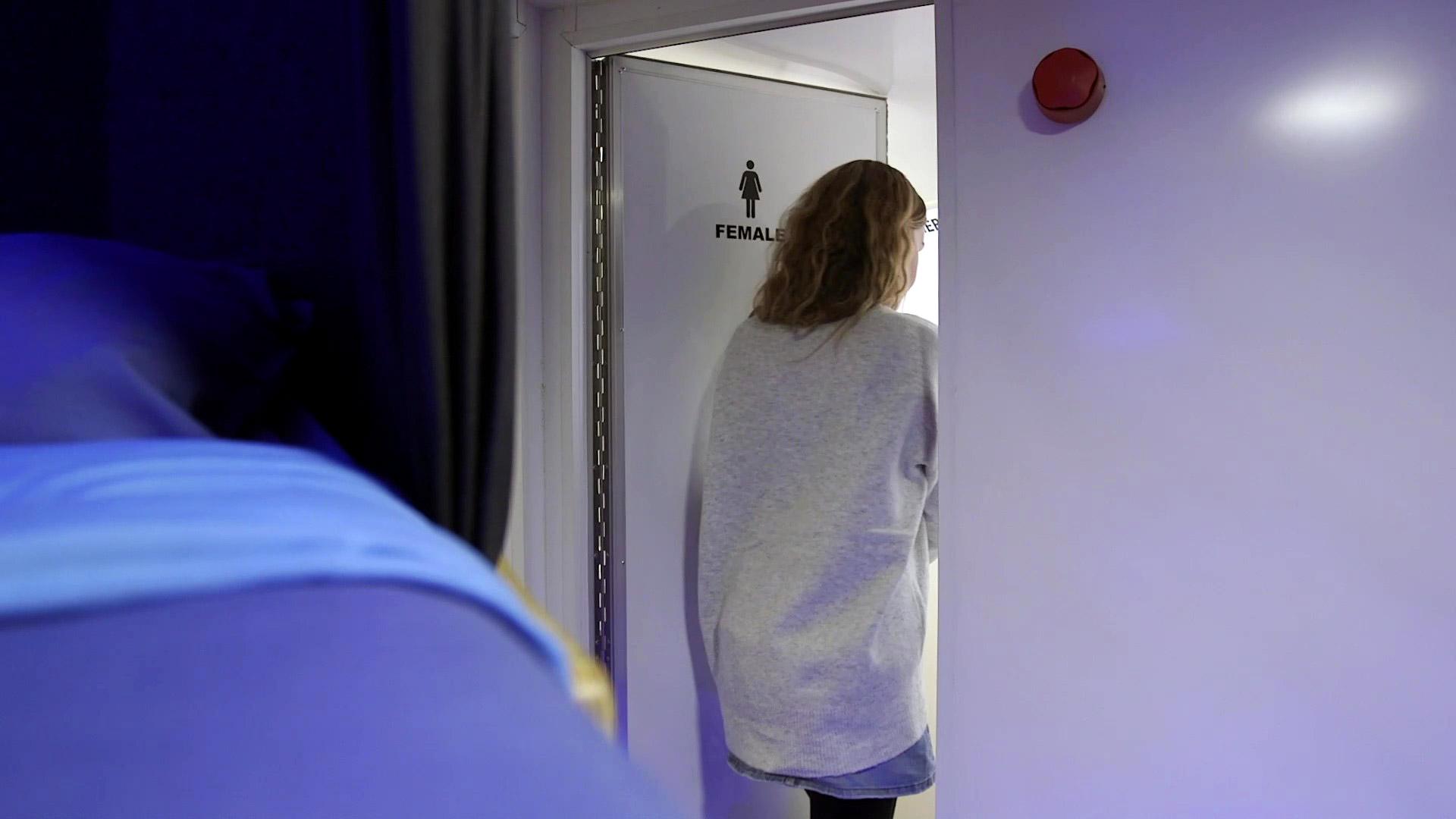Bedroam-bathroom-door.jpg