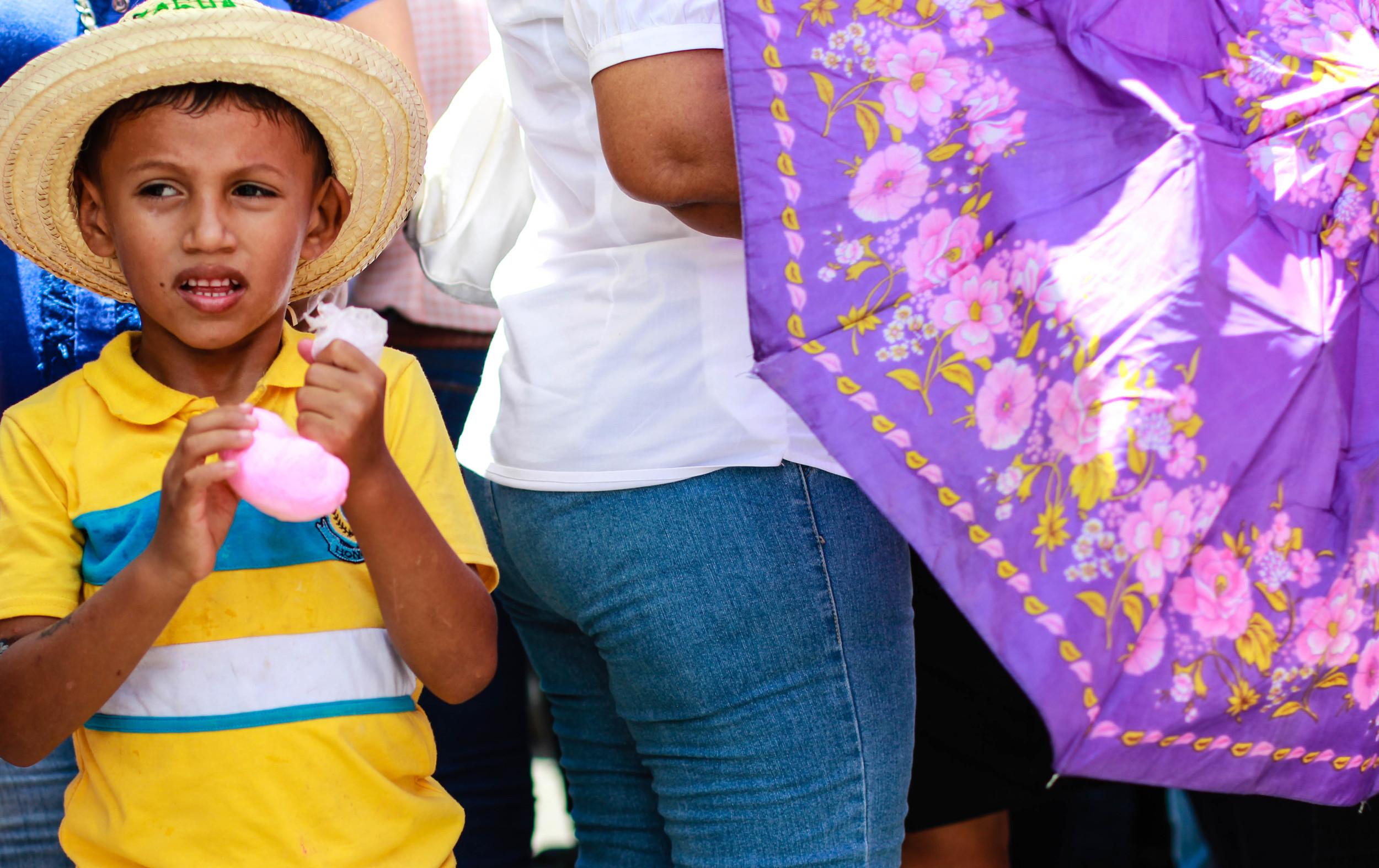 boy-in-yellow-leon-nicaragua
