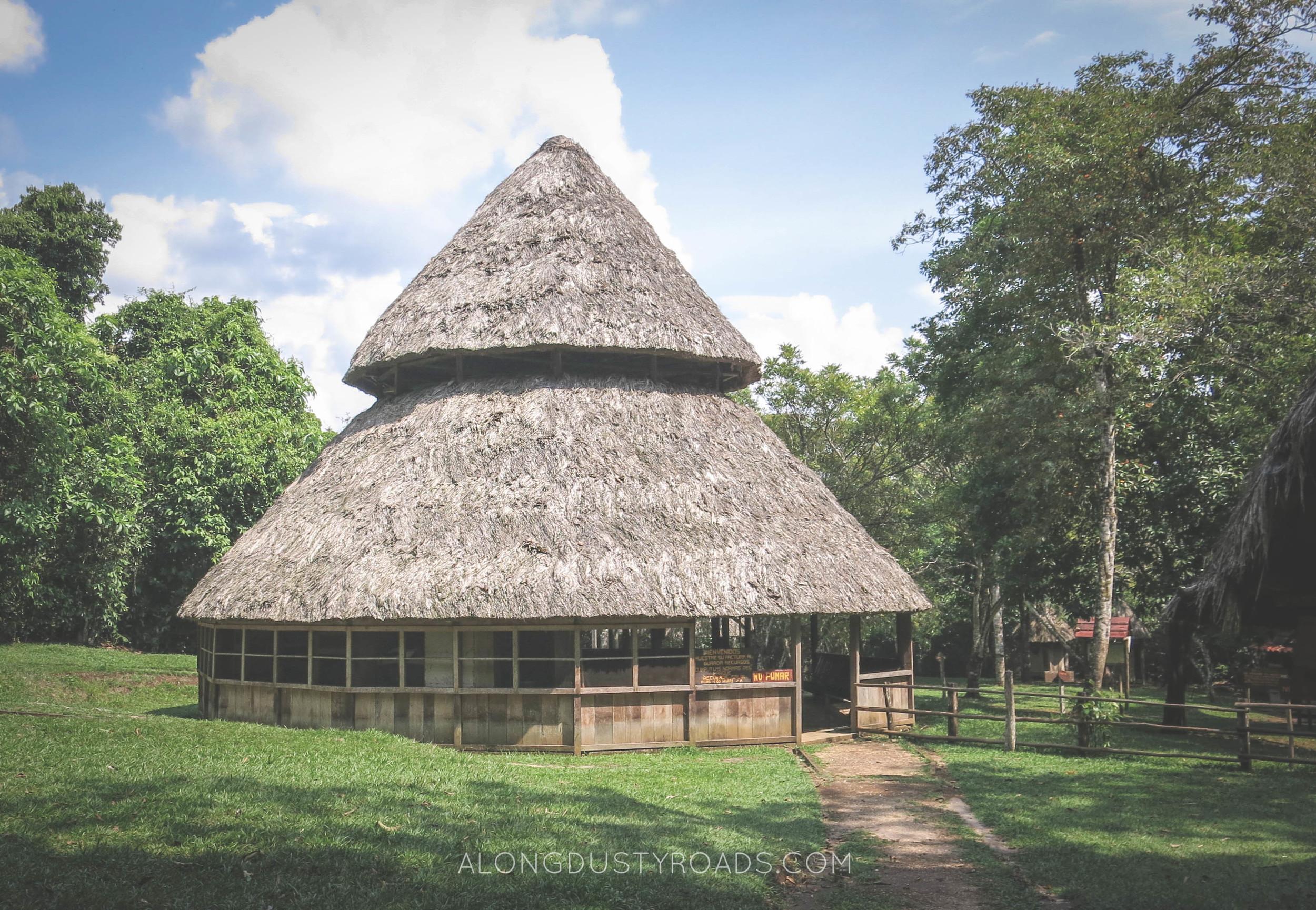 accommodation hut laguna lachua