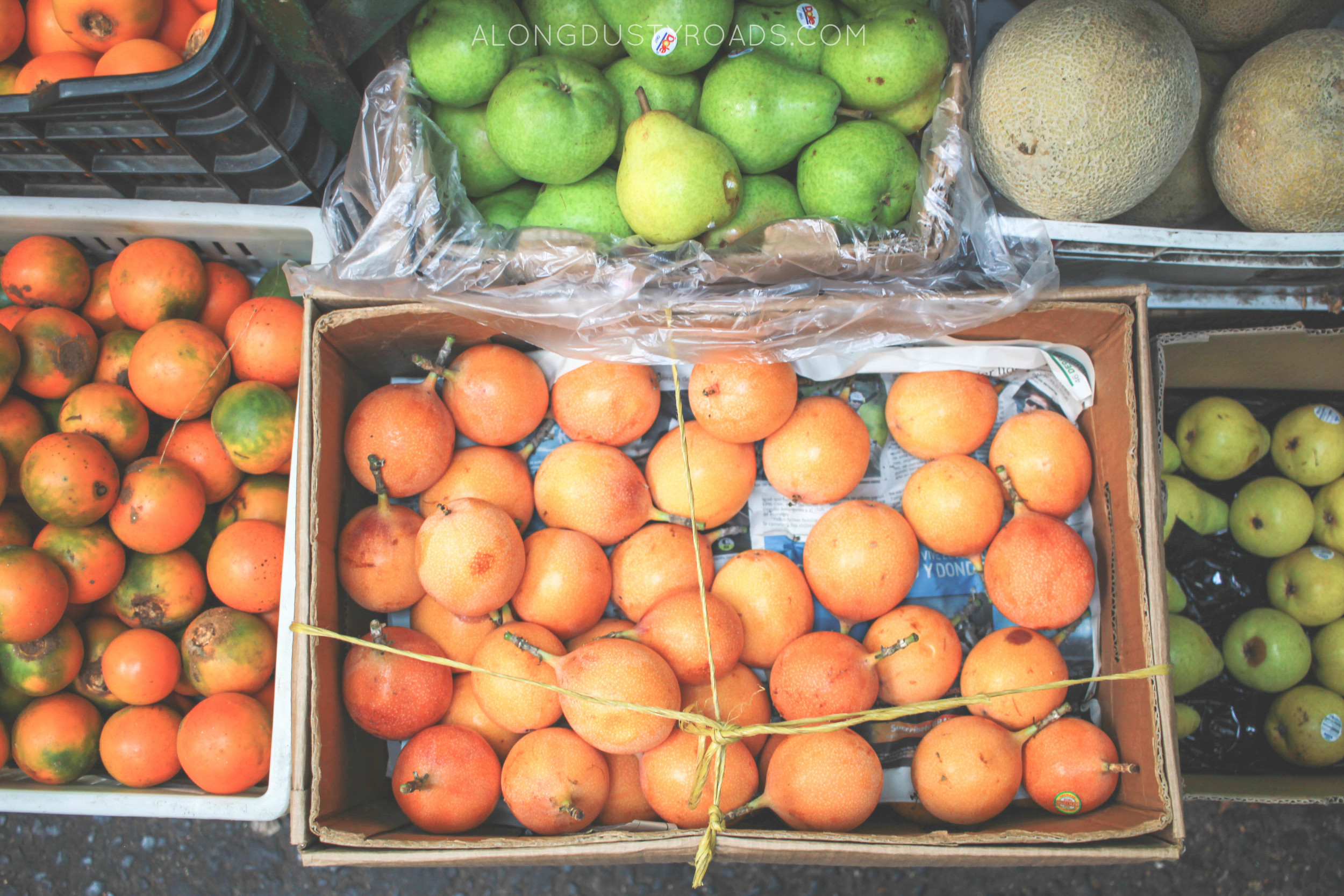 boxes of fruit minorista market