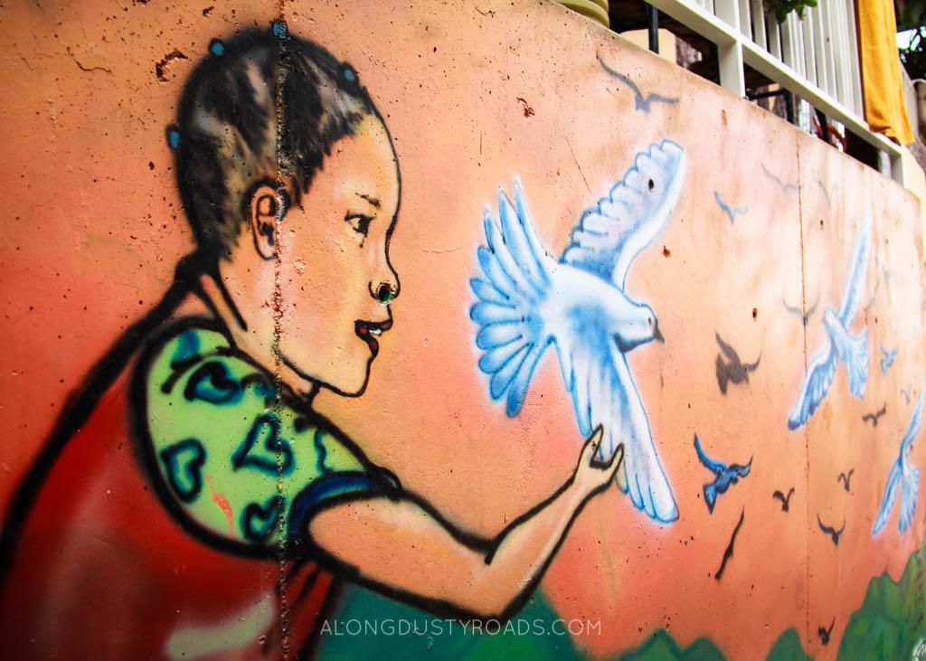 comuna 13 medellin graffiti