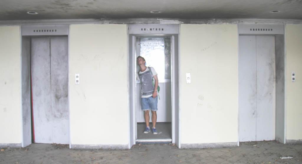 pablo escobar lift monaco building