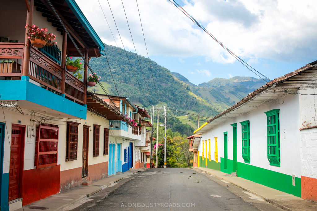 colourful streets jardin colombia