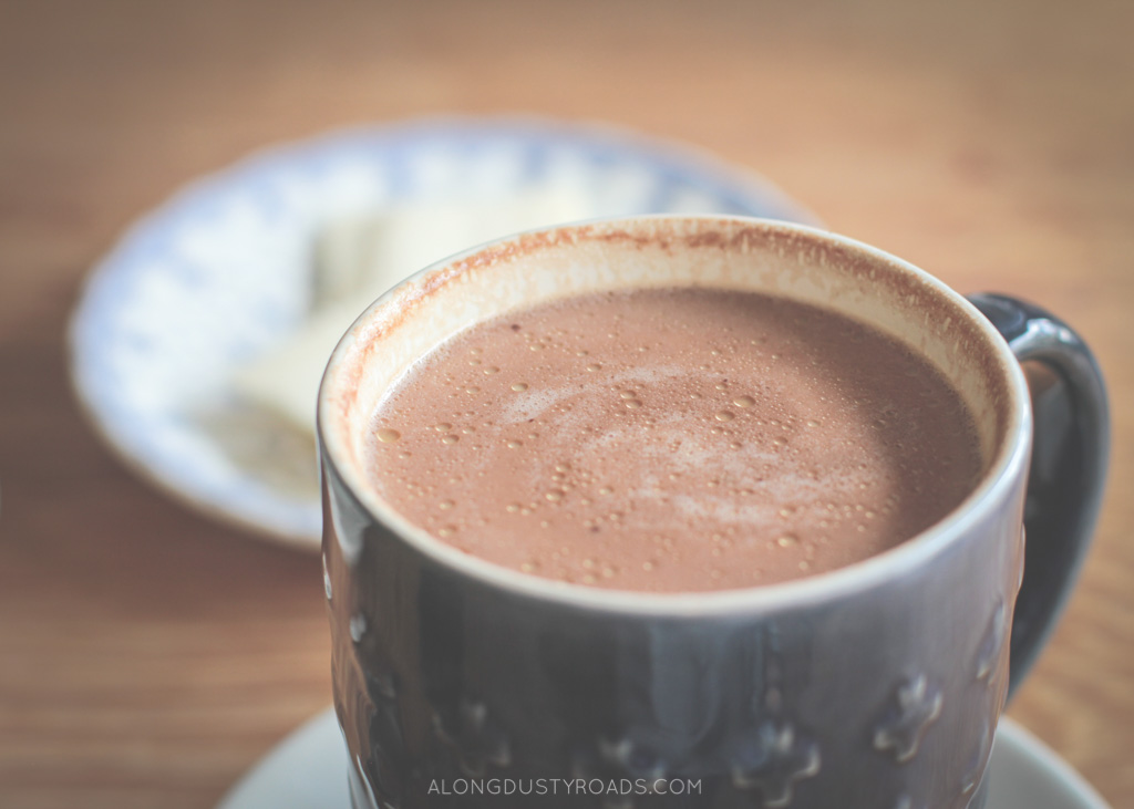 hot chocolate kallari cafe quito ecuador