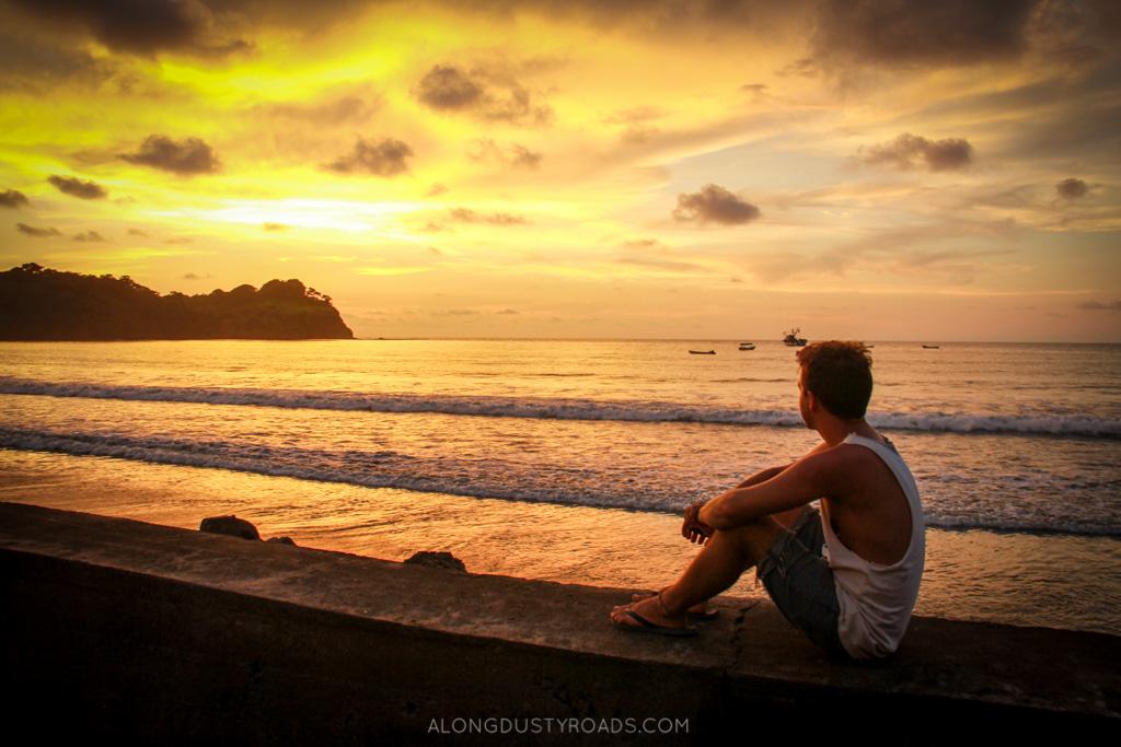 mompiche sunset ecuador