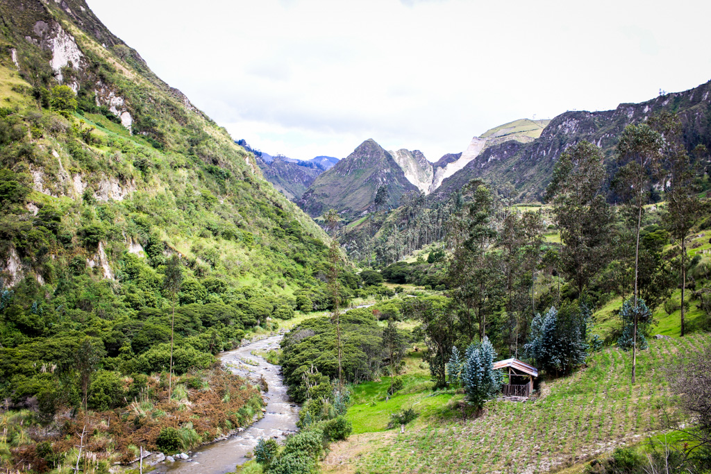 10 things to know before hiking the Quilotoa Loop