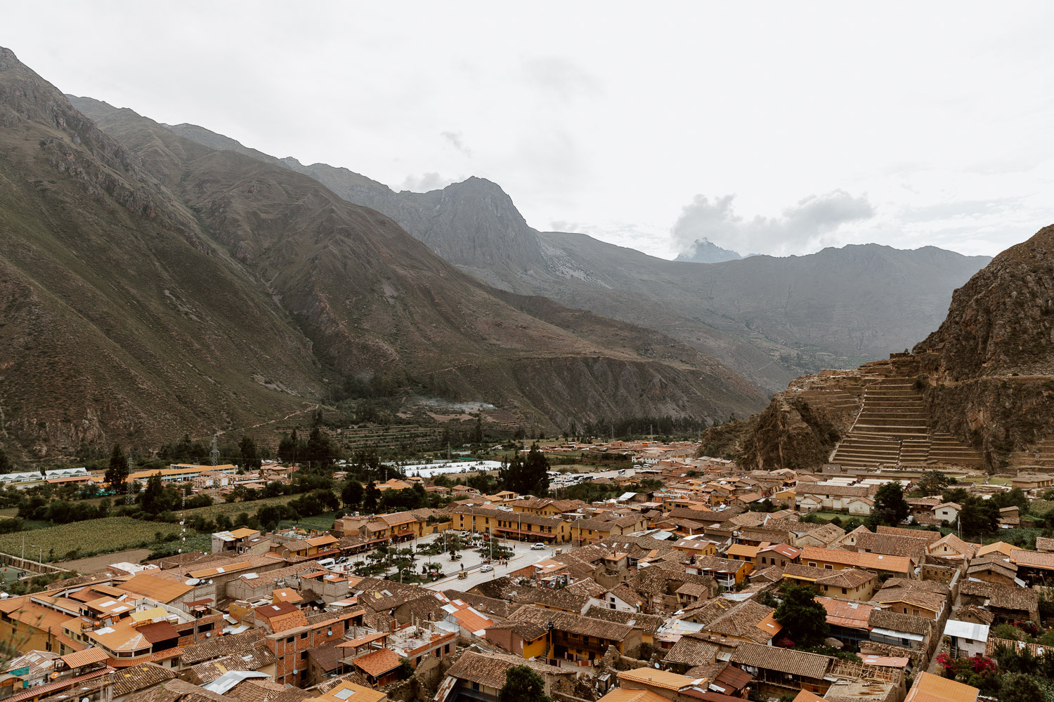 Things to do in Ollantaytambo - View from Depositos de Pinkuylluna