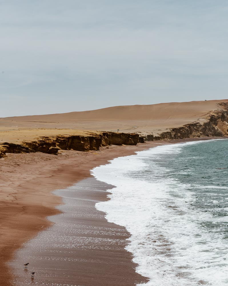 https://www.alongdustyroads.com/posts/things-to-do-in-paracas-peru