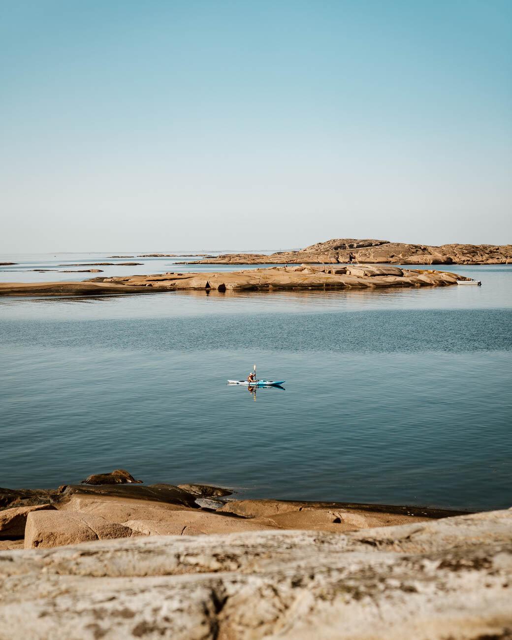 Kayaking in Bohuslån archipelago - Along Dusty Roads