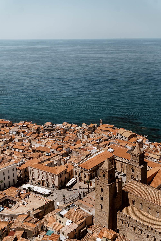 西西里岛的Cefalu