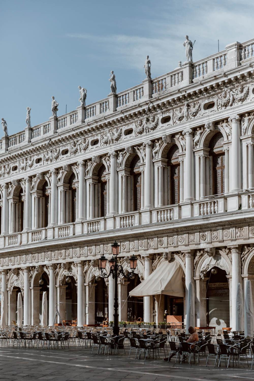 威尼斯圣马可广场的咖啡馆