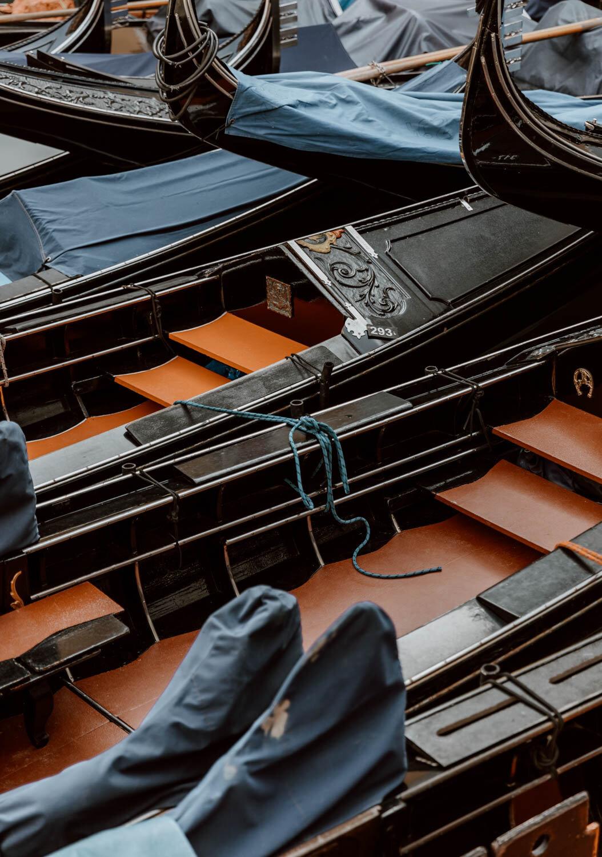 威尼斯的平底船